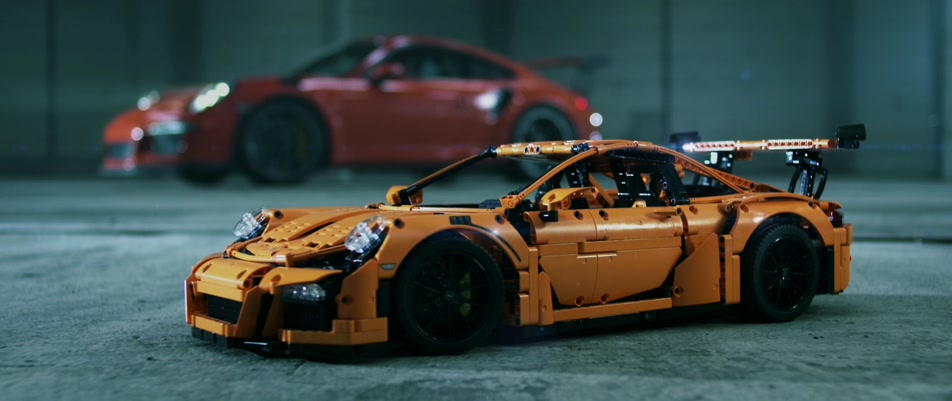 LEGO® Technic Porsche 911 GT3 RS Reveal #‎LEGOTechnicUltimate